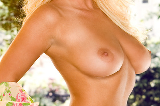 Amy Leigh Andrews playboy