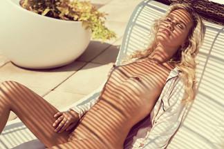 Lindsay Jones - nude pics