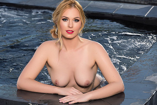 Bailey Rayne in Hot Tub Hottie